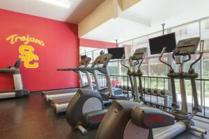The fitness center and/or fitness facilities at USC Hotel