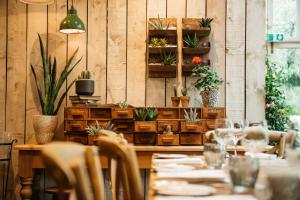 A restaurant or other place to eat at The Farmhouse at Redcoats