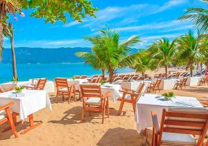 A restaurant or other place to eat at DPNY Beach Hotel & SPA