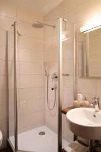 A bathroom at Land Wirtschaft Höß