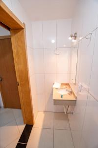 A bathroom at Hotel Petrov