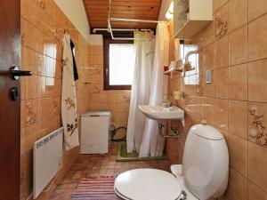 Ein Badezimmer in der Unterkunft Holiday home Nykøbing Sj