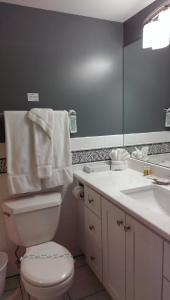 A bathroom at Montauk Manor