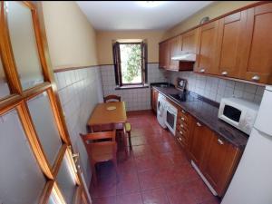 Una cocina o zona de cocina en La Riega I