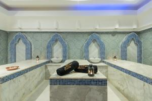 حمام في شمس سفاجا ريزورت