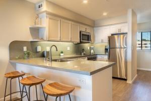 A kitchen or kitchenette at Seascape Beach Resort