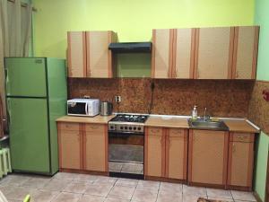 Кухня или мини-кухня в Fontanka 85 Apartment