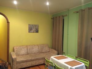 Гостиная зона в Fontanka 85 Apartment
