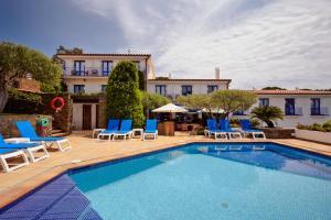 The swimming pool at or near Hotel Blaumar Cadaqués