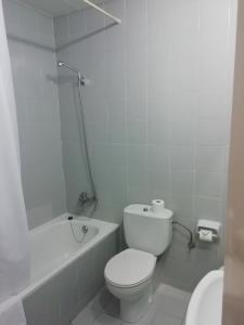 A bathroom at Hotel Monegal