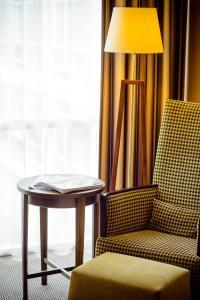 Een zitgedeelte bij Fletcher Hotel Restaurant Amersfoort