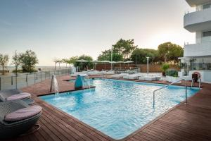 The swimming pool at or close to ALEGRIA Mar Mediterrania - Adults Only 4*Sup