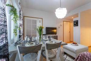 Majoituspaikan Tuomas´ luxurious suites, Kaakkuri ravintola tai vastaava paikka