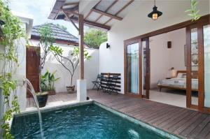 The swimming pool at or near Ke Rensia Private Pool Villas Gili Air