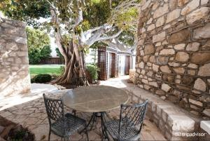 A porch or other outdoor area at Hotel Cap Estel