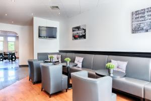 A restaurant or other place to eat at ACHAT Hotel Hockenheim