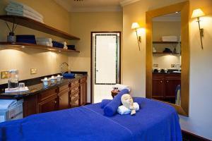A kitchen or kitchenette at Fredrick's Hotel Restaurant Spa
