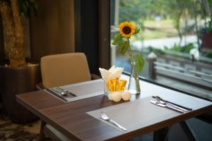 Nhà hàng/khu ăn uống khác tại ZEN RIVERSIDE HOTEL & RESIDENCES