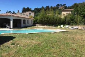 The swimming pool at or close to Maison avec Jardin/Piscine - Quartier résidentiel