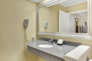 A bathroom at Hotel Nexus; BW Signature Collection