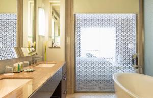 Ванная комната в Hilton Dubai Al Habtoor City