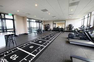 The fitness centre and/or fitness facilities at Van der Valk Hotel Den Haag