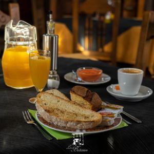 Opciones de desayuno disponibles en Alojamiento Rural Molino Del Batan