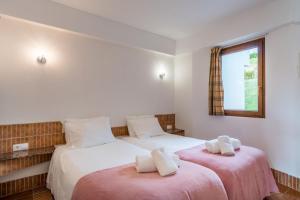 Uma cama ou camas num quarto em Pedras del Rei, Nature and Beach Apartment