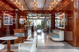 The lobby or reception area at Mr. C Miami - Coconut Grove
