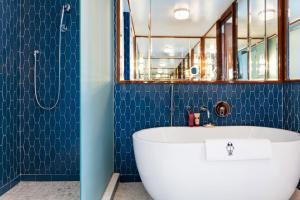 A bathroom at Mr. C Miami - Coconut Grove