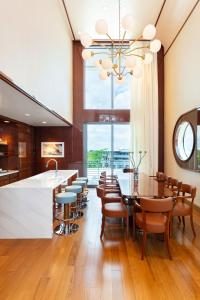 A restaurant or other place to eat at Mr. C Miami - Coconut Grove