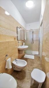 A bathroom at Hotel Meridiana