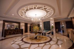 O saguão ou recepção de Aswar Hotel Suites Riyadh