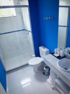 Um banheiro em The Hyperion Boutique Hotel & Bar