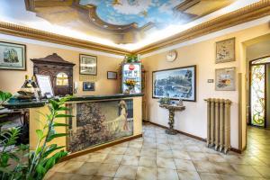 The lobby or reception area at Hotel Villa Liberty
