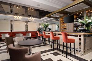 Лаундж или бар в Отель Парк Родник