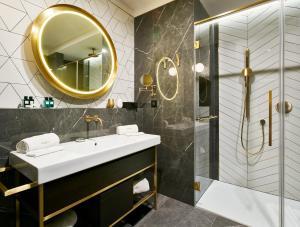 Ein Badezimmer in der Unterkunft Ikador Luxury Boutique Hotel & Spa
