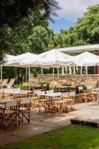 A restaurant or other place to eat at Axis Ponte de Lima Golf Resort Hotel