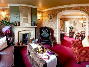 A seating area at Budleigh House