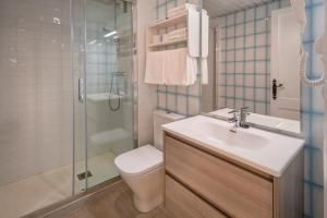 Een badkamer bij Apartments Sorrabona
