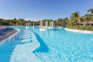 The swimming pool at or near Grand Palladium Colonial Resort & Spa - All Inclusive