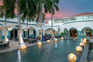 Het zwembad bij of vlak bij Ocean Maya Royale - Adults Only
