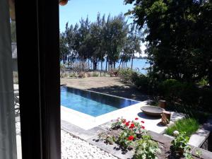 A view of the pool at Villa Salines or nearby