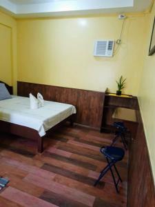 A bathroom at R & D Island Lodge