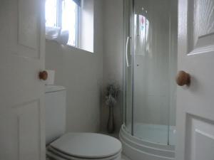 A bathroom at The Old Mill Inn