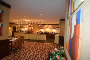 مطعم أو مكان آخر لتناول الطعام في فندق الجاد المحبس
