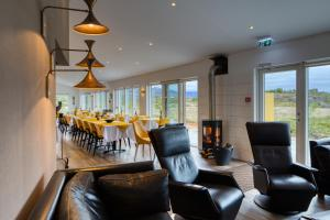 A seating area at Hotel 1001 Nott