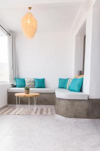 Area soggiorno di Anemos Suite