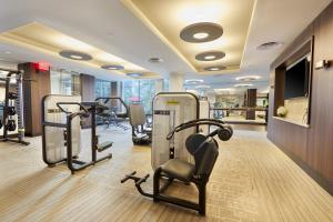 The fitness center and/or fitness facilities at Sonder — VORA
