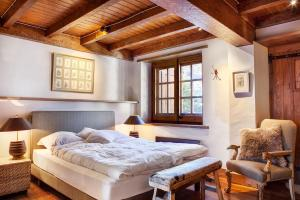 A bed or beds in a room at Casa Gisela By Totiaran